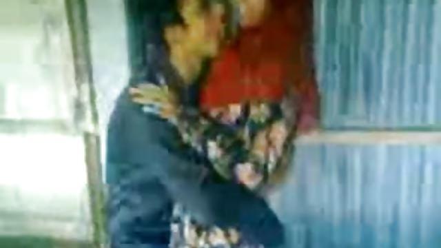 Desi Hindu BF kisses Fucks Muslim girl Afeena in Colg Class