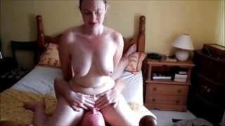 32yo British Ex-GF – cleaning out her holes