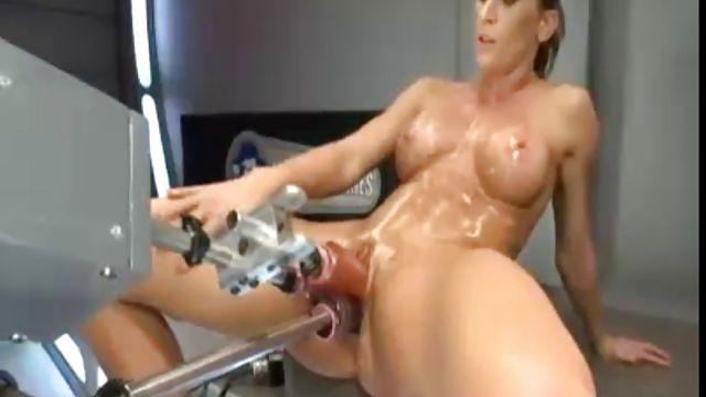 них эротика с вакуумом и электро секс машинками это совершенно