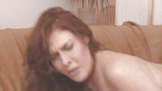 Mae Victoria sexy redhead mature milf soft ass troia inculata culo figa