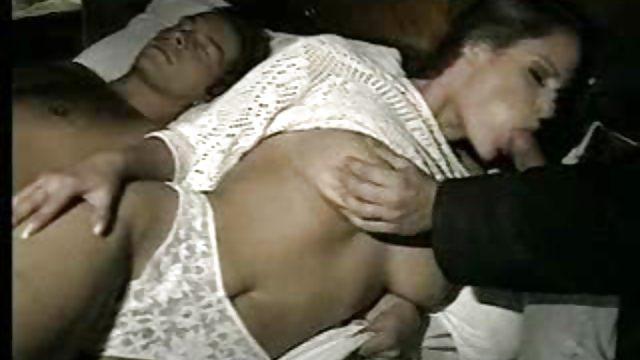 seks-spyashiy-italyanskiy-vannah-sterling-spisok-filmov