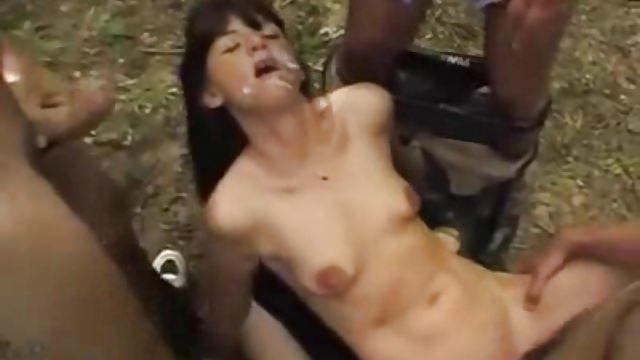 seks-moyu-zhenu-viebali-na-ulitse