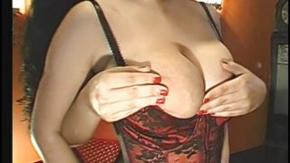 Huge-Boobs-Girl in Groupsex