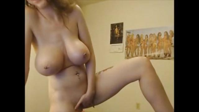 Бабу выебали танцует перед веб камерой сиськи